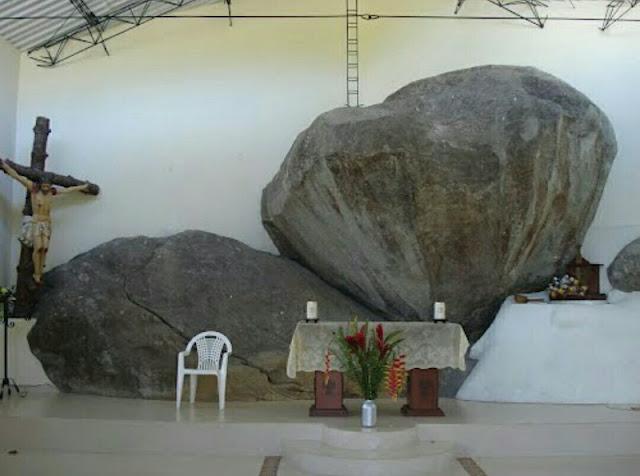 Gigantes metidos en rocas Rocas%2Ben%2BIglesia%2B3