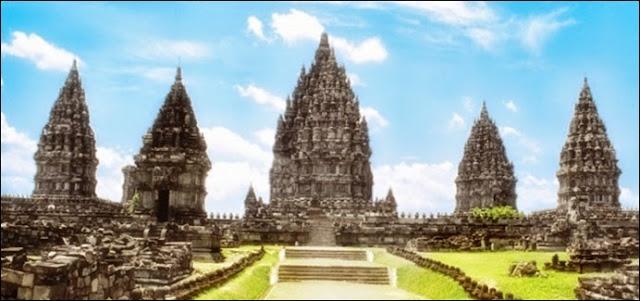 Keindahan Komplek Candi Prambanan (Candi Loro Jonggrang)