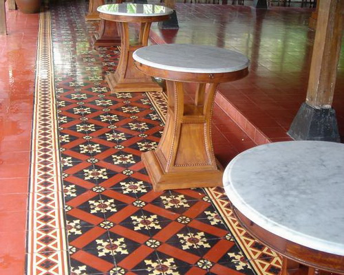 www.Tinuku.com Tegel Kunci floor tile plant luxury heritage classic design handmade tiles early 20th century timeless