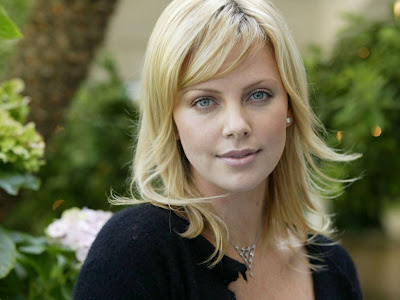 Charlize Theron Normal Resolution HD Wallpaper 8