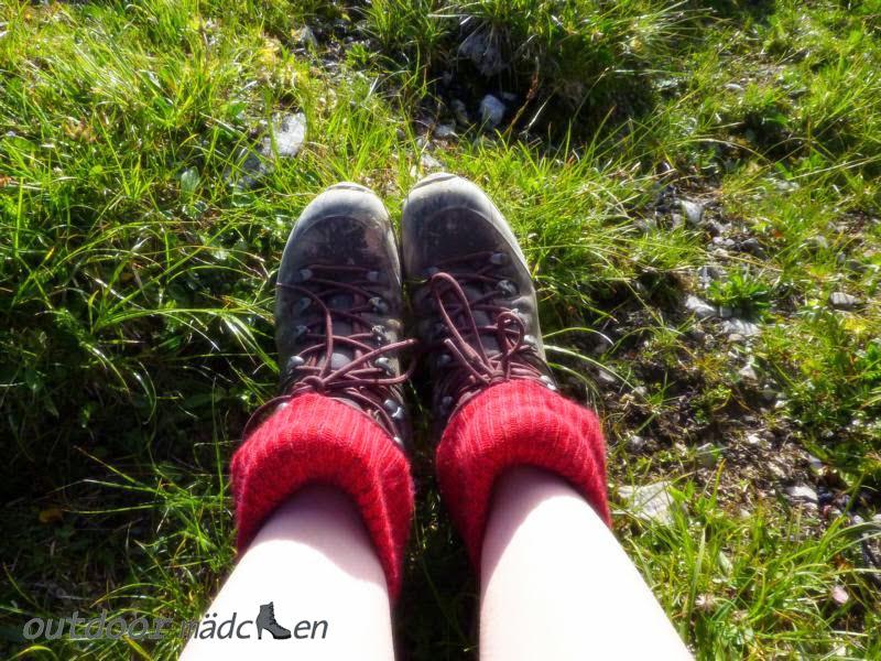 Fuß-Pflege beim Wandern outdoor