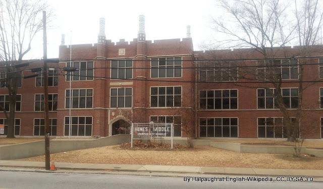Humes High Scholl, em Memphis, a escola frequentada por Elvis Presley