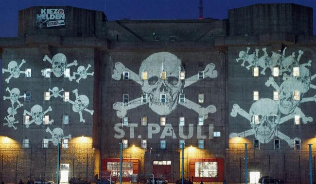 7413105b Super Hincha: St. Pauli: fútbol para punks, piratas y refugiados