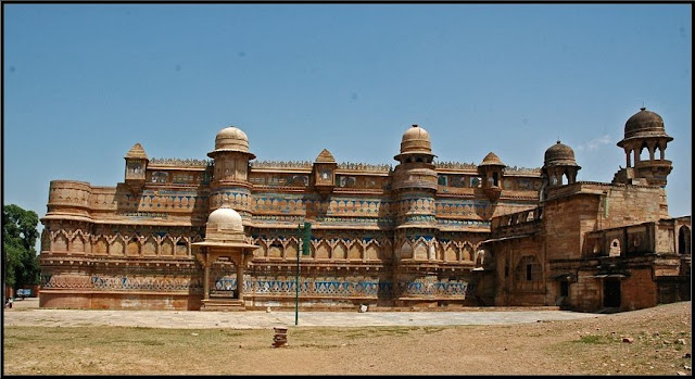 Gwalior-fort-timing