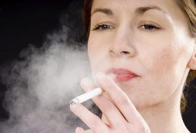 Hút thuốc lá có thể khiến chúng ta già thêm 20 tuổi sinh học