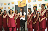 Actress Priya Anand in T Shirt with Students of Shiksha Movement Events 41.jpg