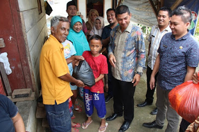 KAHMI Boltim Peduli, Serahkan Bantuan Paket Sembako di Tiga Kecamatan