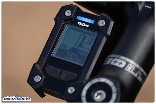 Das bewährte Yamaha LCD-X Display bietet alle nötigen Informationen zum eBike Motor und liegt gut geschützt am Vorbau.