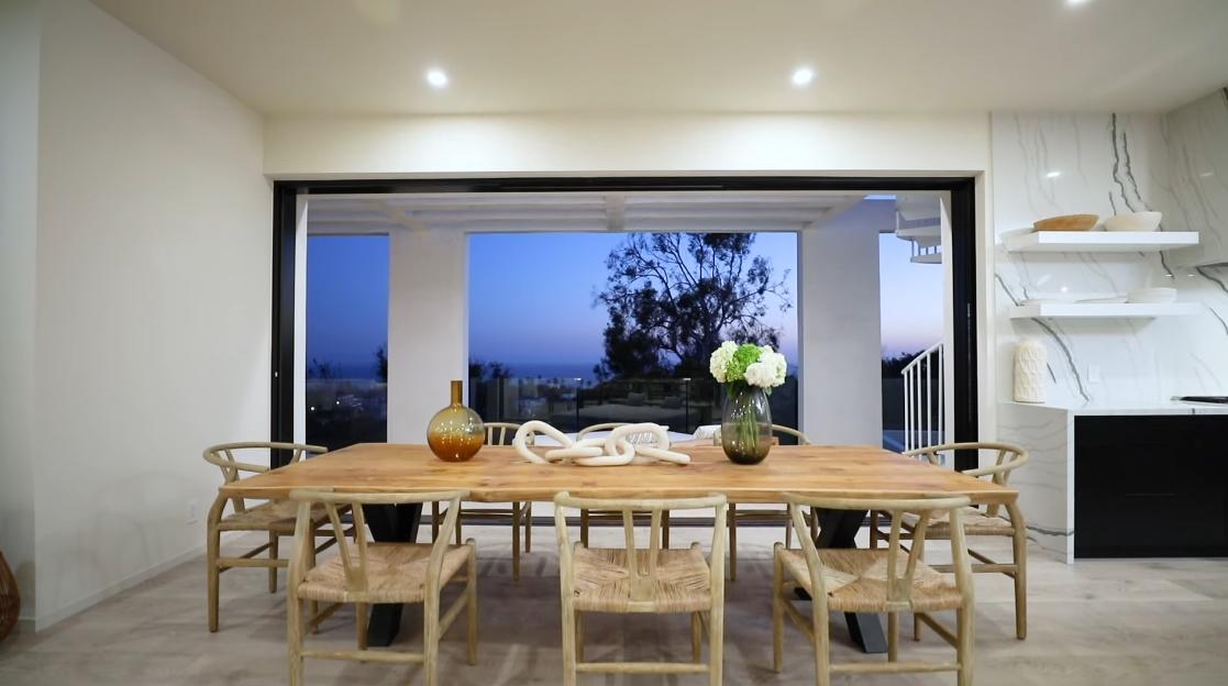 43 Interior Design Photos vs. 5944 Filaree Heights Rd, Malibu Luxury Home Tour