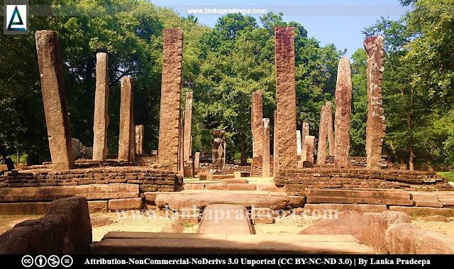 Ancient ruins at Magul Maha Viharaya