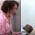 ΒΙΝΤΕΟ! Όταν διάσημη ηθοποιός διαβάζει σε αδέσποτους σκύλους...