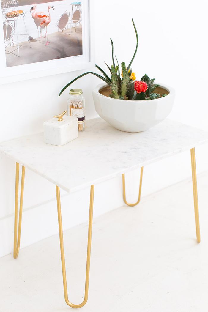 diy-mesa-auxiliar-marmol-patas-horquilla