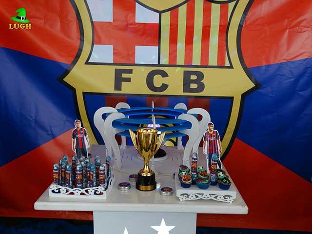 Decoração Barcelona para festa infantil em mesa provençal