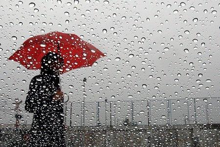 طقس حار بالجنوب وأمطار متفرقة بالشمال غدا