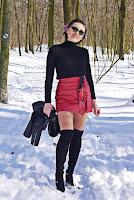 http://www.karyn.pl/2018/03/golf-i-skorzana-spodnica.html