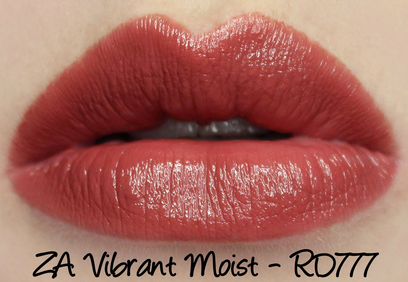 ZA Vibrant Moist Lipstick - RD777 swatches & review