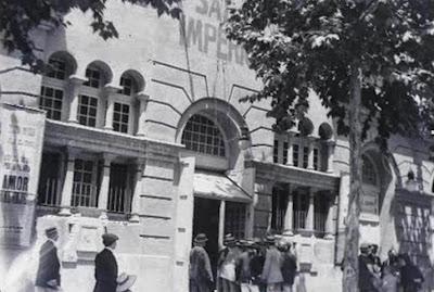 Fachada y entrada principal del Teatro de la Sala Imperio