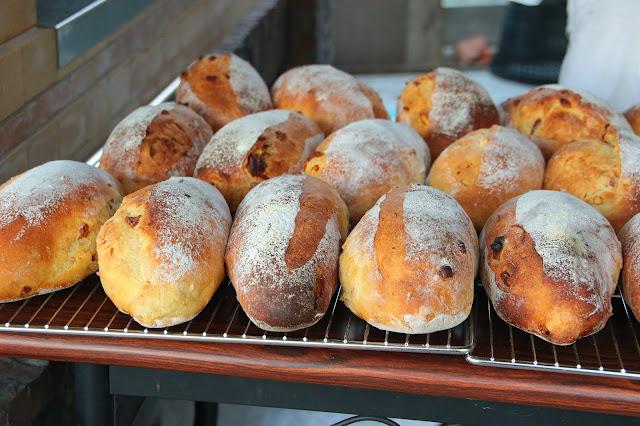 台南柳營旭山窯柴燒麵包