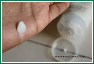 Texture of Kiwi Hand & Nail Cream