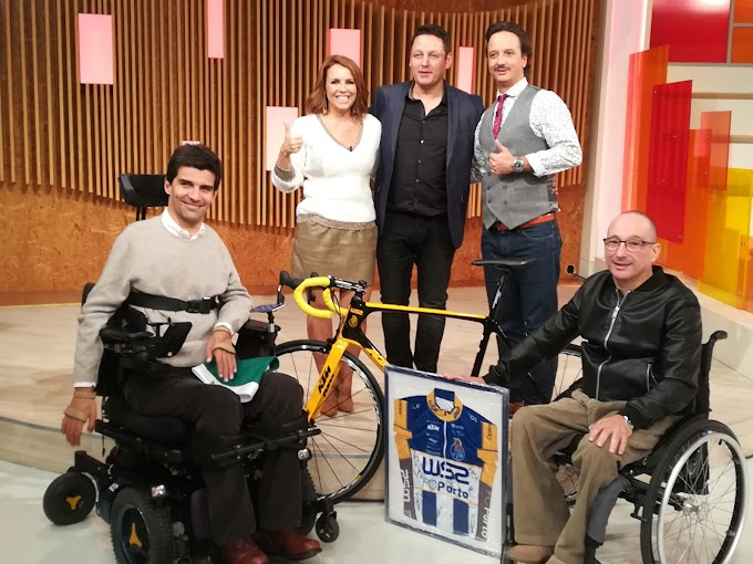 Raúl Alarcón entregó su bicicleta de ganador de la Volta a Portugal para subastarla