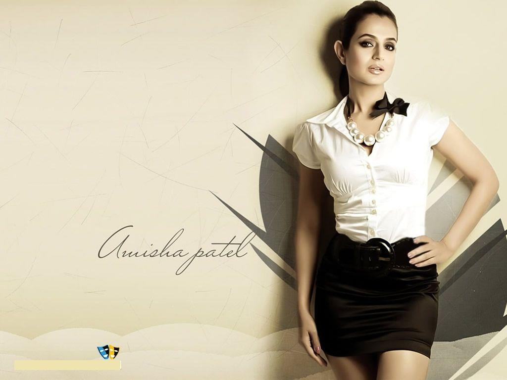 Amisha Patel Hot Wallpapers  Bikini Pics - Hd Images 1080P-1782