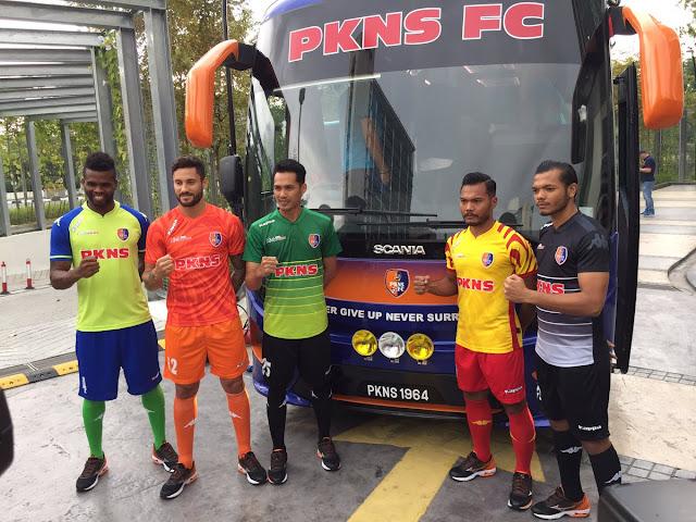Jersi dan Bas PKNS FC Liga Super 2017