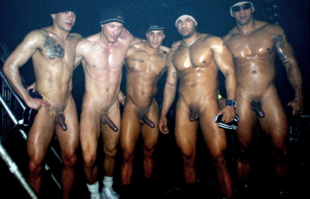 Men Jogging Nude-2544