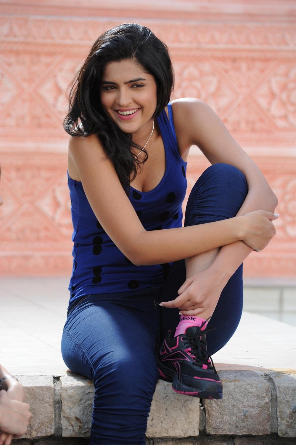 News Of Pics Newspriority Blogspot In Deeksha Seth Ans