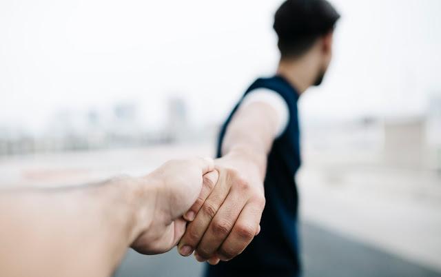 Muslimah, Berdoalah Agar Suamimu Punya 5 Sifat Ini Yang Membuat Langgeng Rumah Tangga