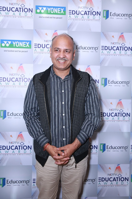 Shri. Manish Sisodia, Deputy Chief Minister, Delhi at NDTV Education Awards 2017