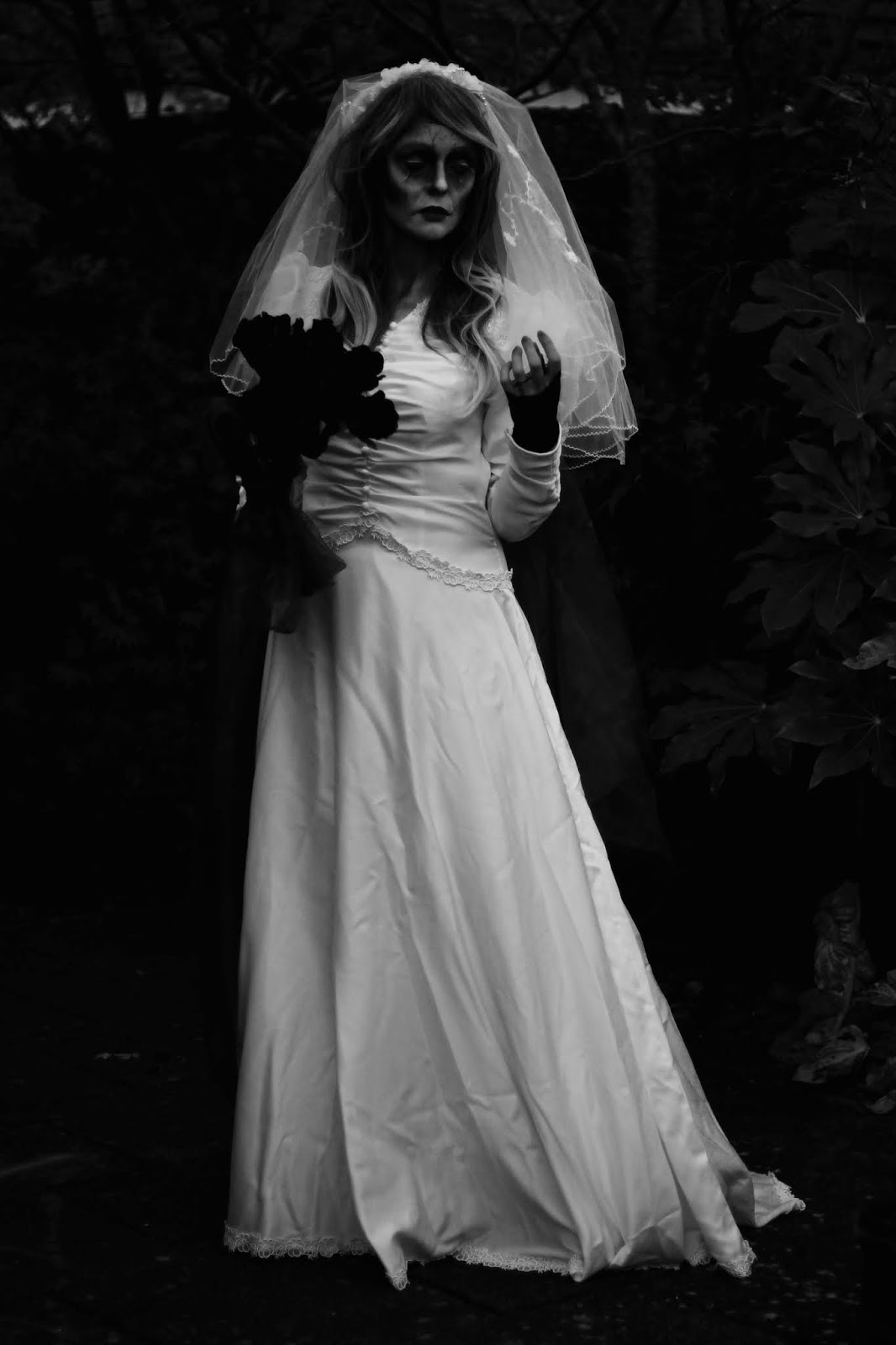 Easy Halloween | Zombie Corpse Bride Costume | Fake Fabulous