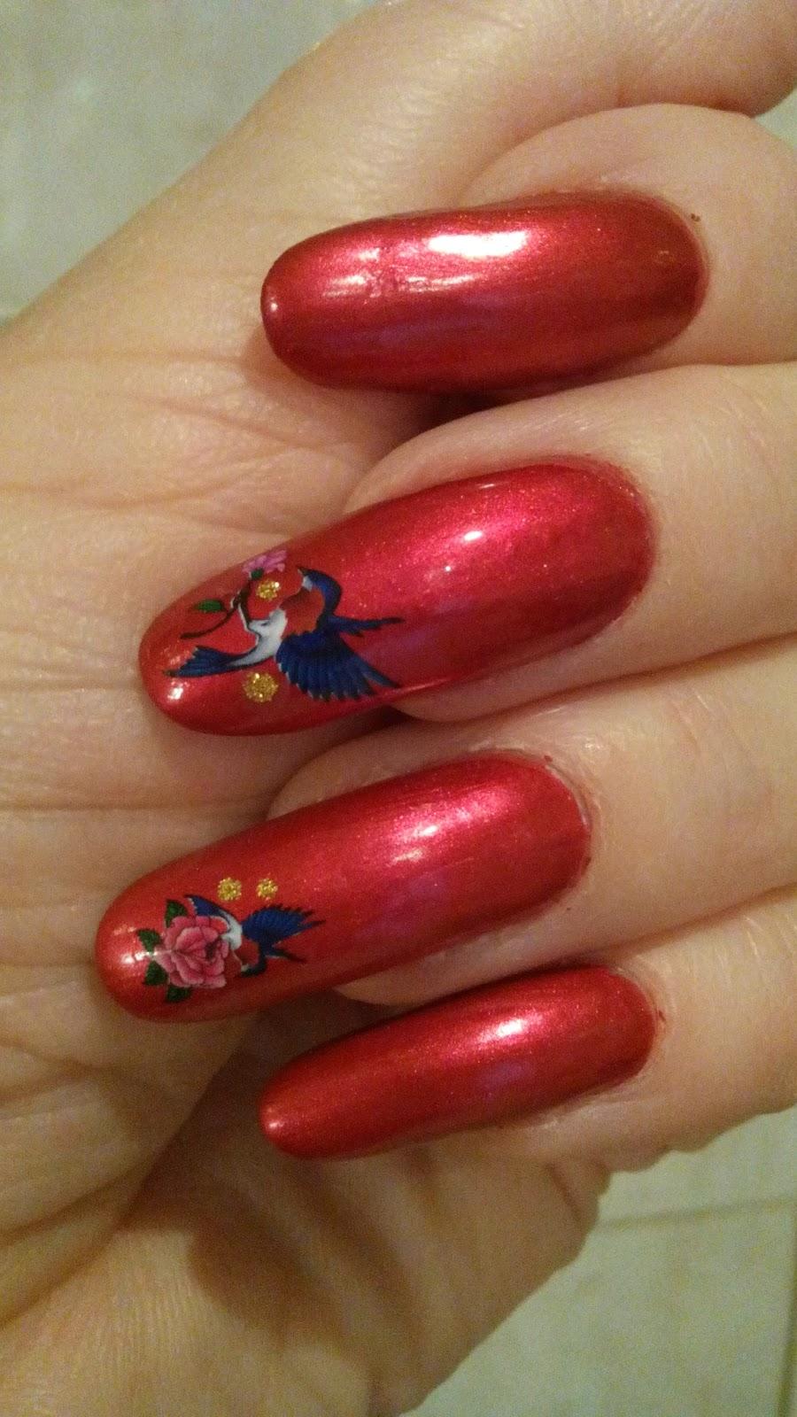 Paznokcie Ewadora Nails Czerwone Bombki