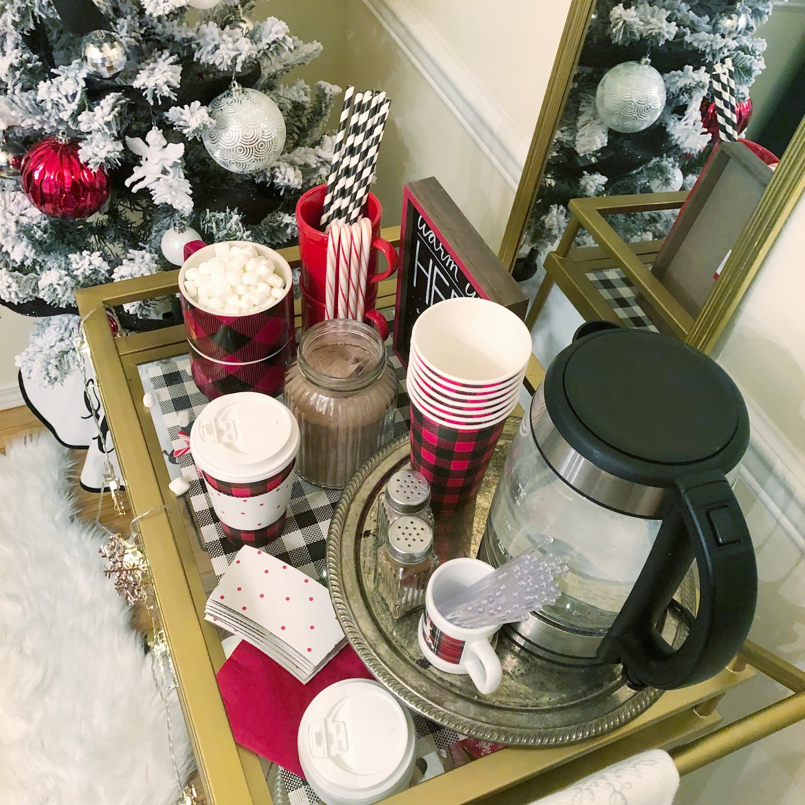 5 things every hot cocoa bar needs