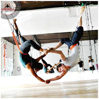 yoga, aeroyoga, aerial yoga, yoga aereo, air yoga, aire, fly, flying, dolor de espalda, salud, ejercicio, wellness, mindfulness, meditacion, bienestar