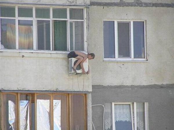 Coleção de fotos onde os homens correm mais perigos que as mulheres
