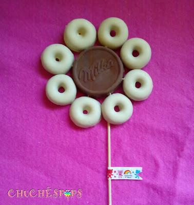 Brocheta de chocolate en foma de flor
