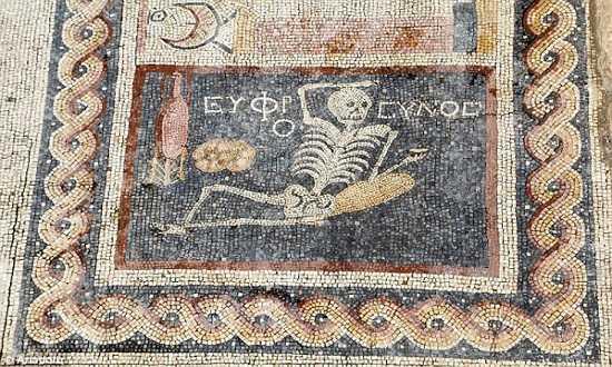 mistiriodi-psifidota-ellinikou-endiaferontos-pou-ponokefaliazoun-tin-archeologia