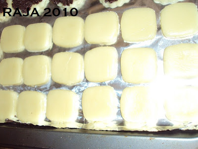 حلويات عيد الفطر جزائرية  بلاطو لاشكال عديدة بعجينة واحدة بالصور 7.jpg