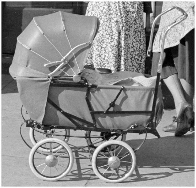 Baby carriage, Washington, D.C. 1938