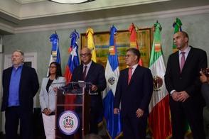 Gobierno y oposición venezolana dicen están cerca de un acuerdo definitivo