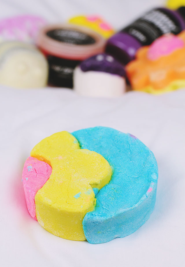 Lush Does Your Mother Know Bubble Bar Review