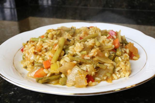 Arroz con espárragos trigueros y verduras