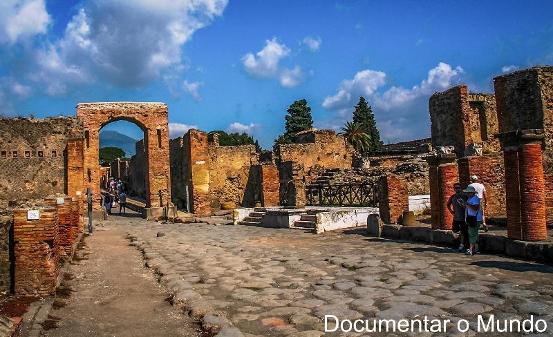 Arco Onorario, Pompeia, Itália