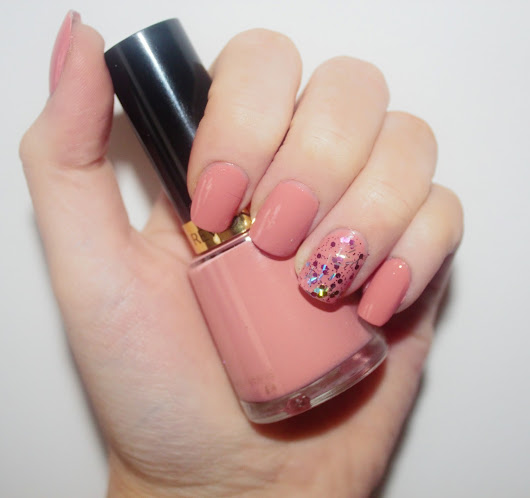 Nails of the Week | Revlon 'Classy'
