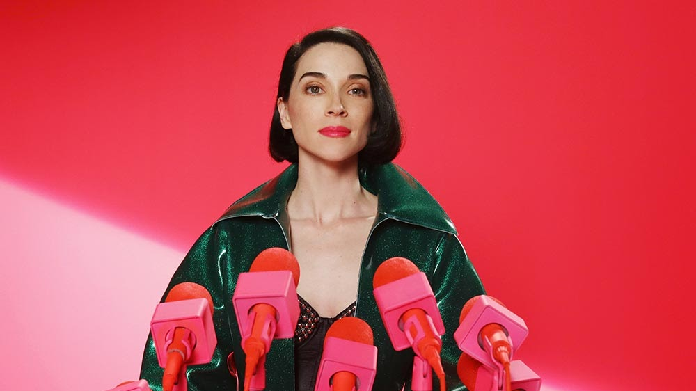 "Indicada ao Grammy de Melhor Álbum Alternativo, a cantora traz a turnê do disco ""Masseduction"" para os palcos do #LollaBR."