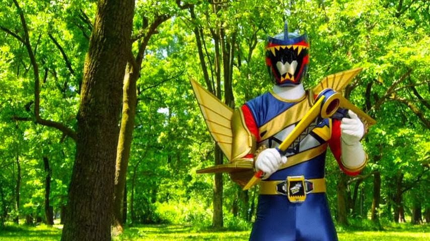 My Shiny Toy Robots: Movie REVIEW: Zyuden Sentai Kyoryuger ...