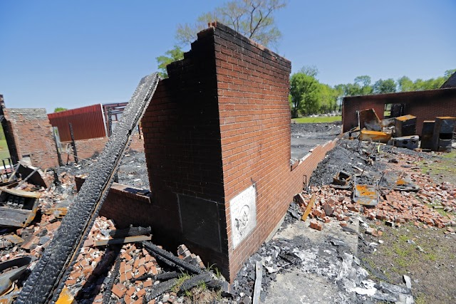 #USLocal,#Louisiana :Suspect arrested in 'suspicious' fires at baptist churches in Louisiana.(Is a racial crime?)