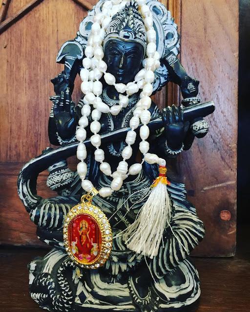 https://www.amazon.ca/s/ref=sr_pg_2?me=A1FLPADQPBV8TK&rh=k%3AMogul+Interior+yoga+jewelry&page=2&keywords=Mogul+Interior+yoga+jewelry&ie=UTF8&qid=1474606151