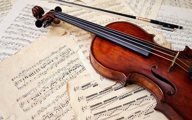 Τιμητική βραδιά για την Κατερίνα Παπανδριανού με βιολιά στην Έκθεση Βιβλίου Ναυπλίου