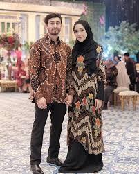 tips memadukan blouse batik wanita agar fashionable